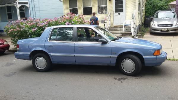 Photo 1992 PLYMOUTH ACCLAIM - $1000 (new haven)