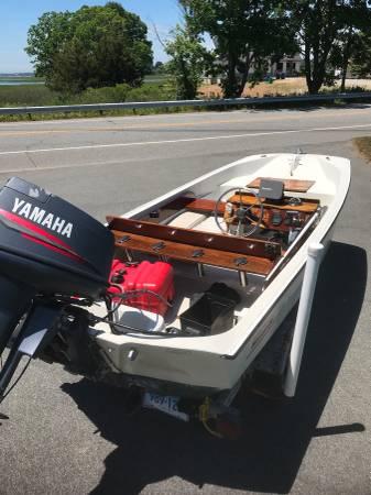 Photo 1993 boston whaler 1339 super sport, 1999 40HP Yamaha, trailer. - $8,500 (Old Lyme)