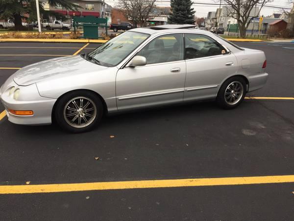Photo 2000 Acura integra ls sedan (automatic) - $1375 (Bridgeport Connecticut)