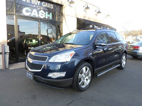 Photo 2011 Chevy Traverse - $8995 (New Haven)