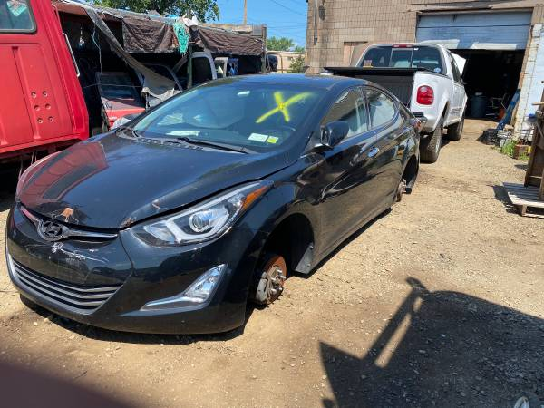 Photo 2014 HYUNDAI ELANTRA SUNROOF ASSEMBLY COMPLETE WITH MOTOR IN GOOD USED - $250 (NORTH HAVEN CT)