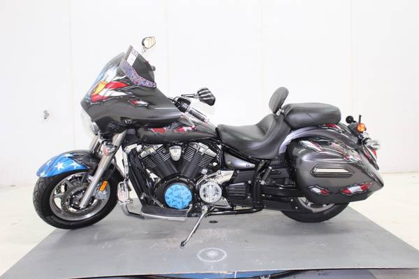 Photo 2014 Yamaha V Star 1300 Deluxe Motorcycle 12K Miles Great Condition - $8,000 (Norwalk, CT)