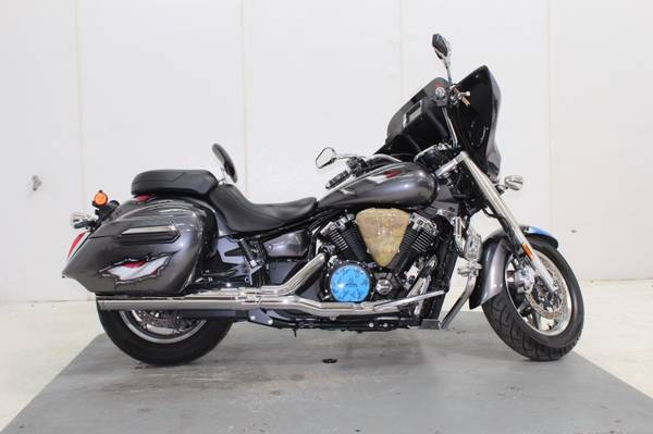 Photo 2014 Yamaha V Star 1300 Deluxe Motorcycle 12K Miles Great Condition - $7,000 (Norwalk, CT)