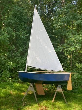 Photo 8sailing dingy - $500 (Madison ct)