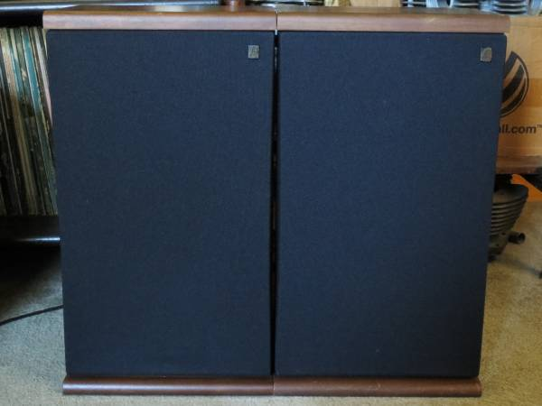 Photo AR Acoustic Research quotBookshelfquot Speakers Home Stereo Theater Speaker - $150 (Milford)