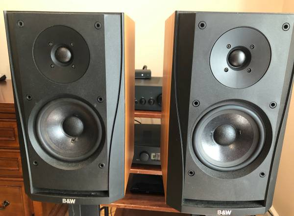 Photo Bowers and Wilkins BW DM302 Speakers - $100