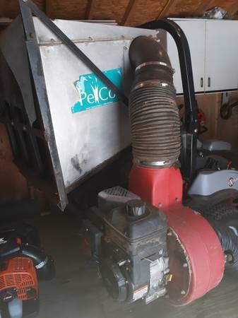 Photo Commercial mower vacuum setup - $1,600 (Shelton)