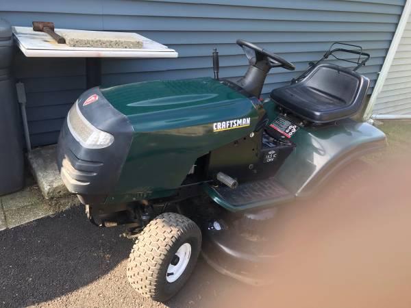 Photo Craftsman Tractor - $100 (Stratford)