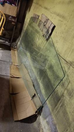 Photo Huge 38quot Thick Glass Table Top 93-12quotL x48quotW - $150 (Stratford)