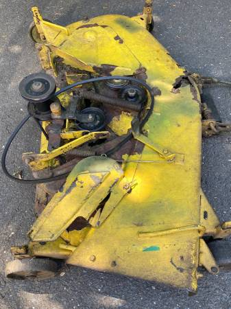 Photo JOHN DEERE Hydro 185 46quotMower Deck wmt brackets,may fit other Models - $60 (Orange, Connecticut)