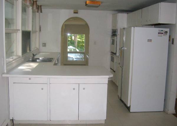 Photo Late 1950s Antique Vintage Kitchen. Cabinets  Countertops, Appliances - $2,900 (Wilton, CT)