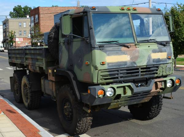 Photo MILITARY LMTV 4x4  6x6 CARGO TRUCK M1078A1 M1078 WITH WINCH M1093 - $12000 (stratford)