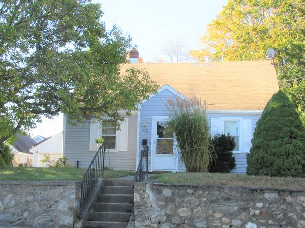 Photo NORTH END 4 BR JUST LISTED (BRIDGEPORT)