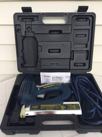 Photo New Brad Nail Gun Electric Hvy Dty ET200D - $65 (Milford)