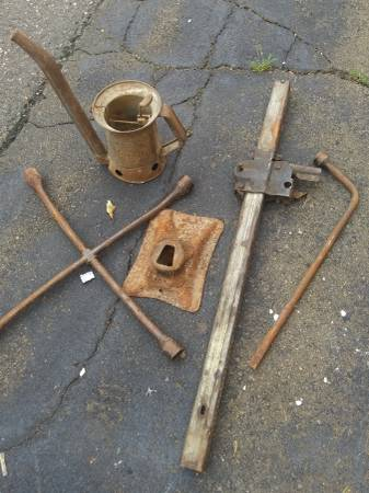 Photo Old. Chevy jack - $60 (West haven CT)