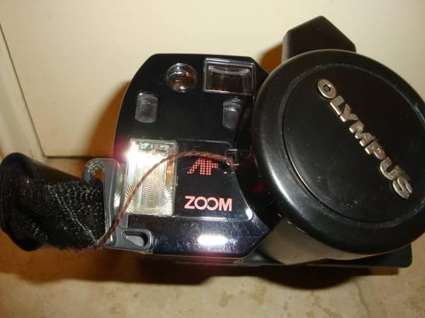 Photo Olympus AF-300 Superzoom camera - $10 (Madison, CT)
