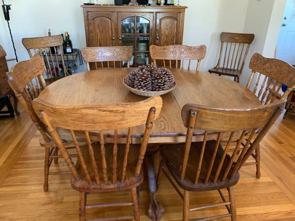 Photo Pedestal Base Oak Dining Table  8 Pressed Back Chairs - $500 (Hamden, CT)