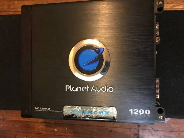 Photo Planet audio speaker and  - $75 (New Haven)