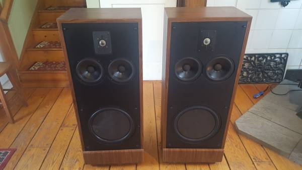 Photo Polk SDA 2A speakers - $275 (Durham)
