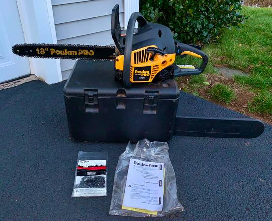 Photo Poulan Pro 18 Inch Gas 42cc Chainsaw - $175 (Hamden)