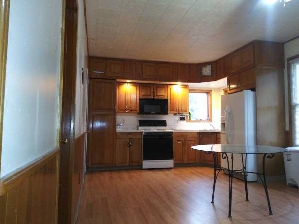 ROOM-- All utilities included (WATERBURY) | Rooms For Rent ...