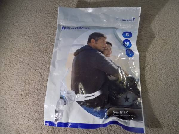 Photo ResMed Swift FX Nasal Pillows System 61500 SML - $20 (WATERBURY)
