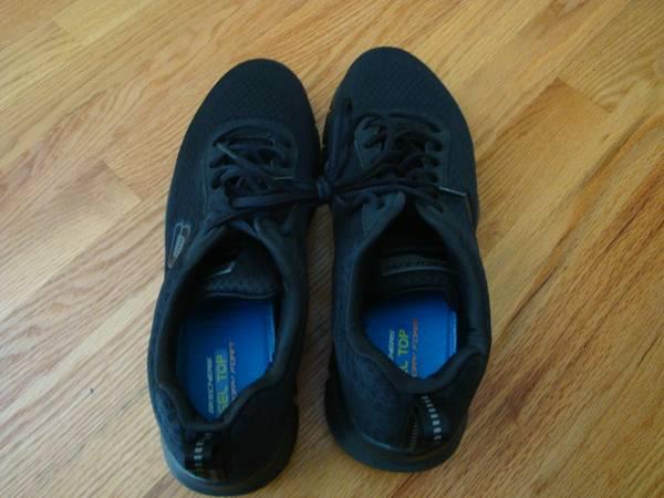Photo Sneakers - Skechers-Knit - Gel Top Foam Memory size 12 - $20 (Madison, CT)