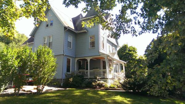 Photo Spacious privat room in Victorian Apartment, ALL UTILITIES INCLUDED (Derby, CT (near Griffin Hospital))