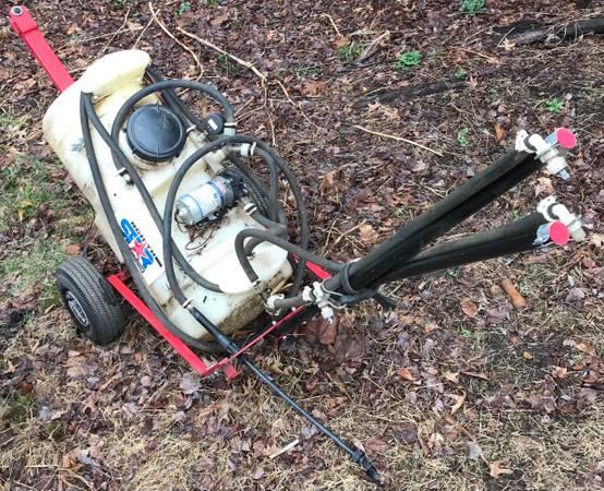 Photo Sprayer tow-behind boom broadcast spot tree sprayer cart Northern Tool NorthStar - $60 (Orange)