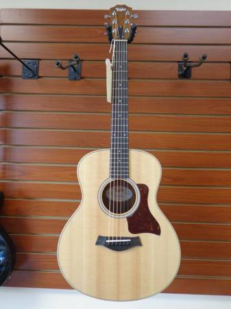 Photo Taylor GS Mini Acoustic Guitar - $395 (Newington)