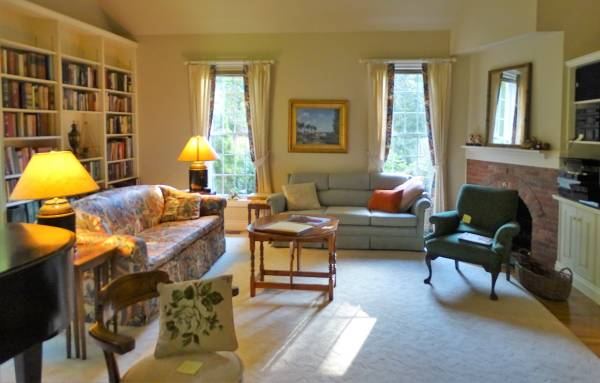Photo This Weekend An Estate Sale in Madison 1010  1011 (6 Sunrise Lane, Madison, CT)