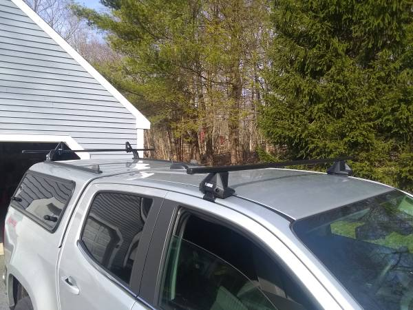 Photo Thule Roof Rack - $250 (Killingworth)