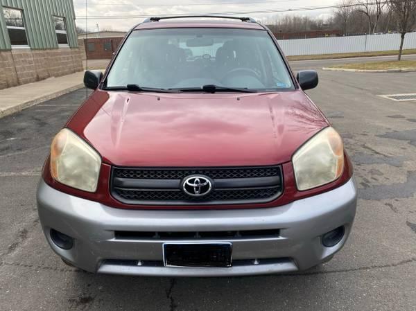 Photo Toyota RAV4 2004 - $4500 (Waterbury)