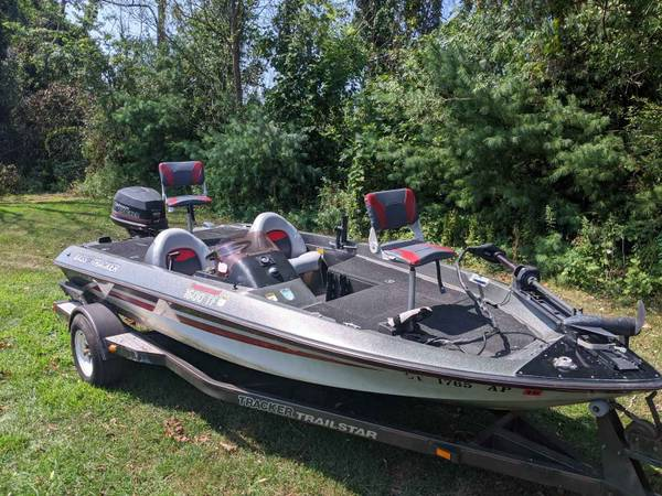 Photo Tracker pro tournament 1600 TF freshwater bass fishing boat with outboard and tr - $4,100 (Guilford Connecticut 06437)