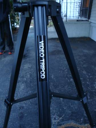 Photo Video Tripod - Ambico V-0525 (missing a part) - $10 (Madison, CT)