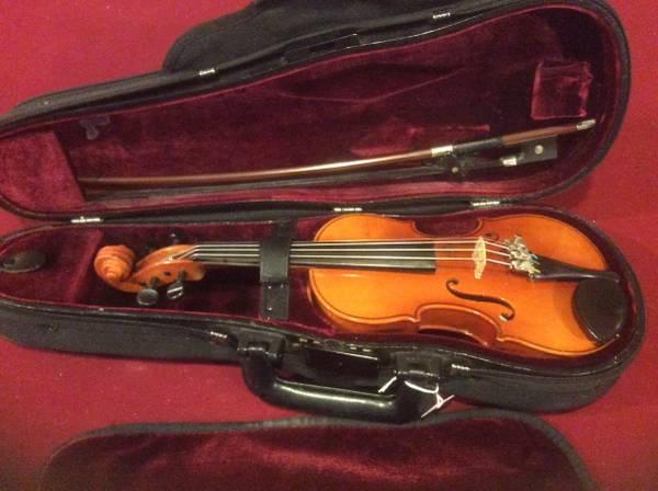 Photo Violin 110 Suzuki made in Japan - $70 (Wallingford)