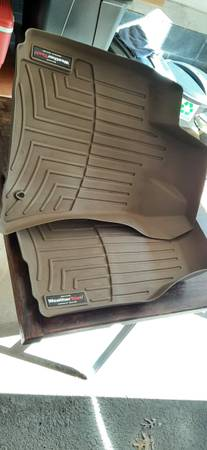 Photo 06 Chrysler 300C Weather Tech front matst - $50 (Oak Ridge)