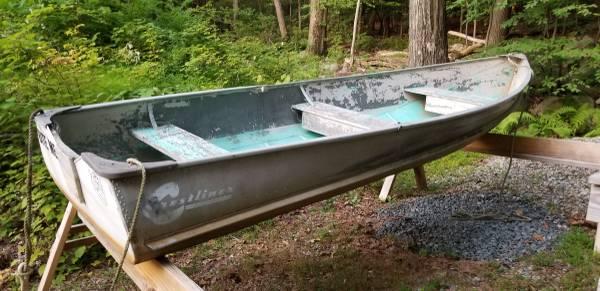 Photo 1439 VINTAGE CRESTLINER ALUMINUM BOAT ROWBOAT MOTORBOAT CREST LINER - $950 (West Milford  Rockaway NJ)