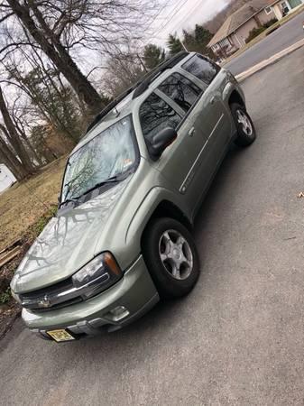Photo 2004 Chevy Trailblazer EXT LT 4WD - $4200 (Wayne)