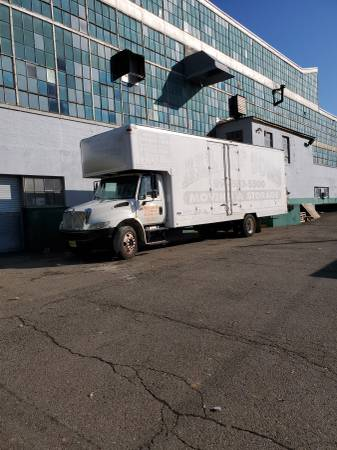 Photo 2007 International 4300 Box Truck 26 Moving Body With R Low Miles - $12000 (Fair Lawn,NJ)