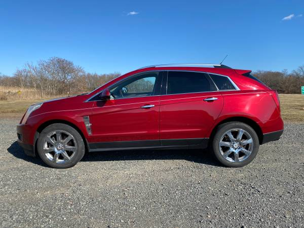 Photo 2010 Cadillac SRX4 Performance WITH NAV - $6450 (Manville)