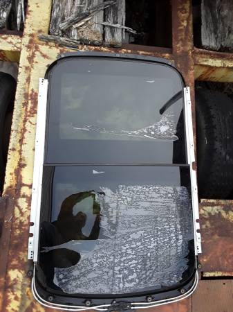 Photo 2010 Mini Cooper Roof Glass - $225 (Williamstown)