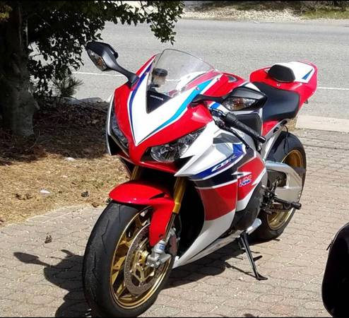 Photo 2014 Honda CBR 1000RR SP - $10,500 (Weehawken)