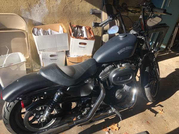 Photo 2015 Harley Davidson Sportster IRON - $6,000 (Teaneck)