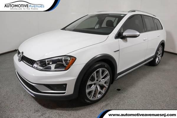 Photo 2017 Volkswagen Golf Alltrack, Pure White - $18995 (Automotive Avenues)