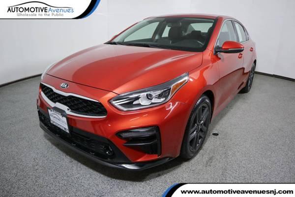 Photo 2019 Kia Forte, Fire Orange - $16995 (Automotive Avenues)