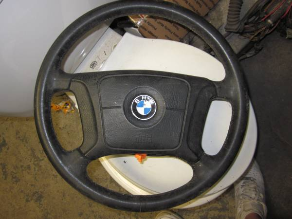Photo 96 BMW DRIVER SIDE AIR BAG  STEERING WHEEL - $50 (Paterson)