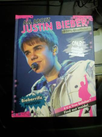 Photo All About Justin Bieber 100 Unofficial Full Color Hardcover Fan Book - $10 (West New York, NJ)
