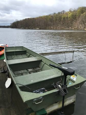 Photo AlumiCraft Jon Boat 12ft with Electric Motor - $1,150 (ROCKAWAY)