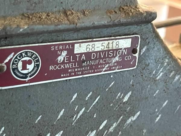 Photo DELTA ROCKWELL MILWAUKEE SCROLL SAW - $300 (RAMSEY)